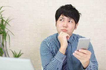 起業のとき「固定電話」が必要な理由とは?